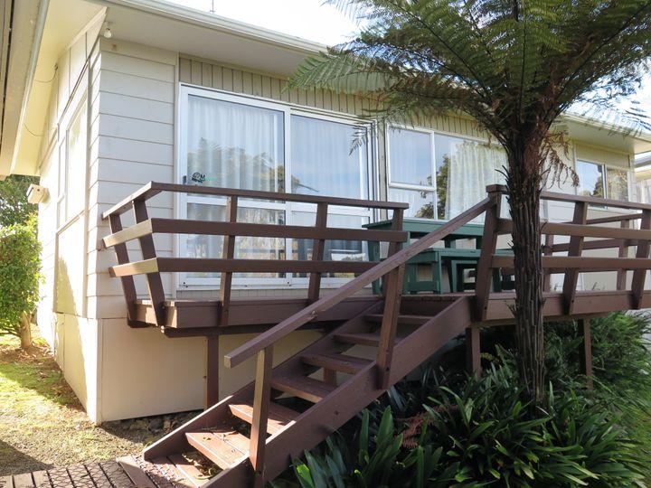 6 Lorenzen Road, Raglan, Waikato District