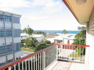 WATER VIEWS! Comfortable 2 bedroom unfurnished unit very close to the beach - Palm Beach