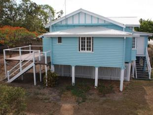 Beautiful High-Set Cottage!! - East Ipswich