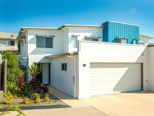 Spacious Two Storey Townhouse - Carseldine