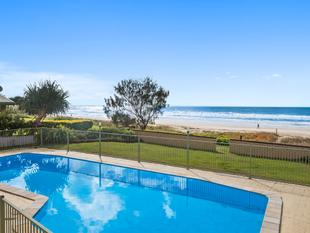 MODERN UNIT IN BEACHFRONT BLOCK - Tugun