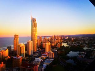 39th Floor with Uninterrupted Ocean Views! - Surfers Paradise