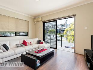Affordable living in a prime location! Renovated with air conditioning! - Coorparoo