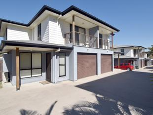 :: STYLISH FULLY SELF CONTAINED TOWNHOUSE - Barney Point