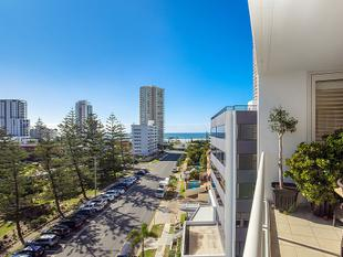 Exquisite 3-bedroom Unit in the Heart of Broadbeach - Broadbeach