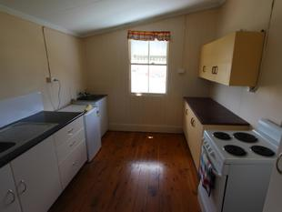 CLOSE TO TOWN & SHOPS - Charleville