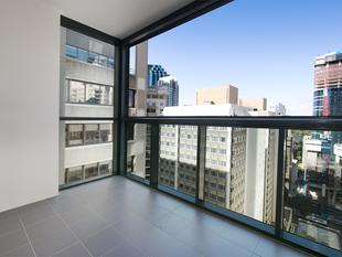 SOUGHT AFTER HIGH FLOOR 2 BEDROOM CORNER UNIT - Brisbane