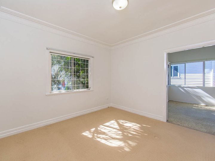 17 Fourteenth Avenue, Kedron, QLD