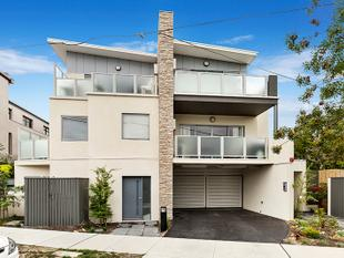 Sleek And Stylish In The Heart Of Hughesdale - Hughesdale
