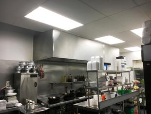 FULLY LICENSED RESTAURANT AT WOOLSTON - Woolston