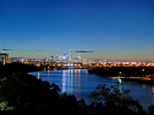 JAW DROPPING VIEWS OF THE SWAN RIVER AND CITY - Rivervale