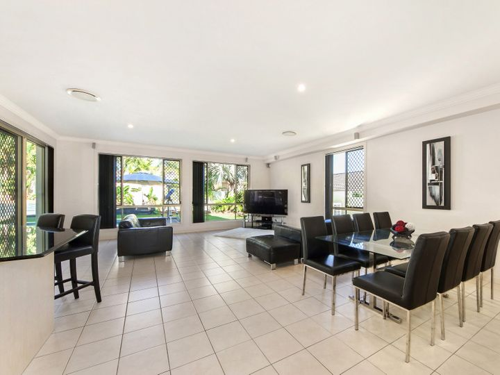 2 Selsey Court, Arundel, QLD