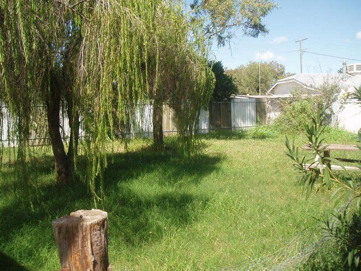 64 Little Parry, Charleville, QLD