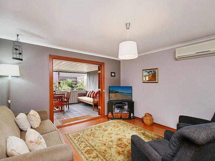 10 camden, Point Clare, NSW