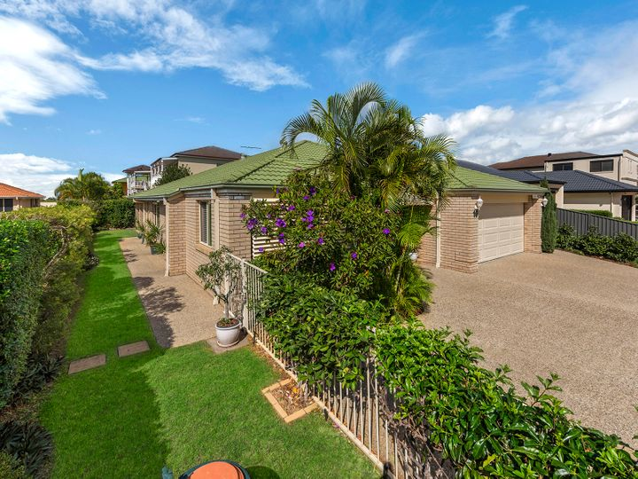 16 Capella Place, Bridgeman Downs, QLD