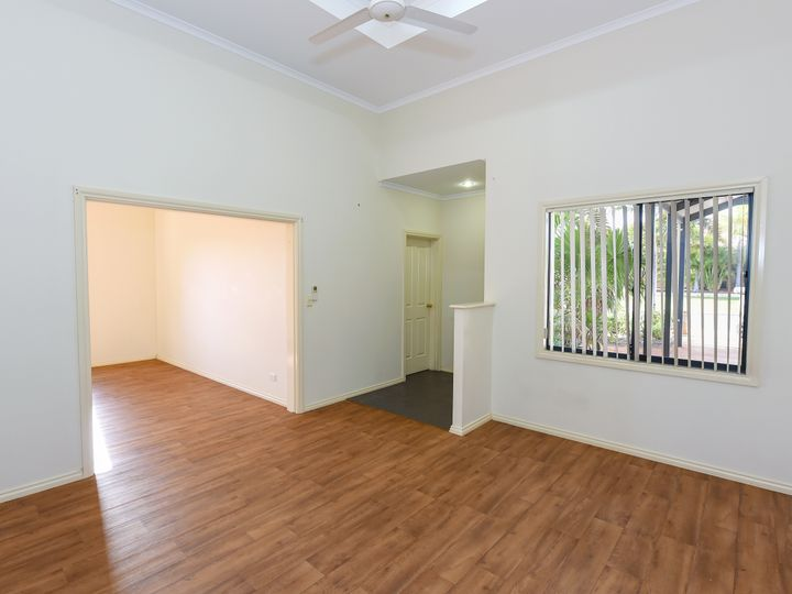 2 Lilly Parade, Baynton, WA