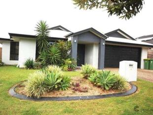 Fabulous 5 Bedroom Home - Walk to Schools, Parks & Transport - Redland Bay
