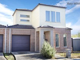 Townhouse Living! - Point Cook