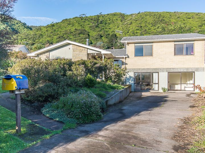 11 Te Maku Grove, Waikanae, Kapiti Coast District