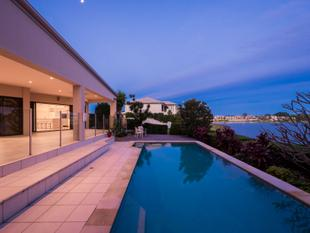 Approx 65sqs of Luxury on Large 1129sqm Block With Wide Water Views - Benowa Waters