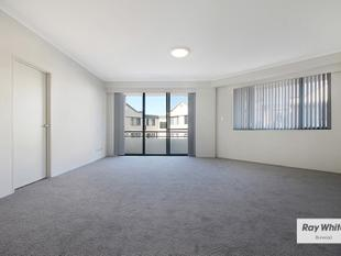 Newly Updated Three Bedroom With Lift Access In Resort Style Complex! 0422 807 874 - Russell Lea
