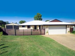 LOWSET BRICK WITH 2 BAY SHED! - Gracemere
