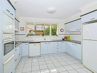 FANTASTIC EASY CARE LOW MAINTENANCE HOME IN HIGHLY SOUGHT AFTER AREA - Banora Point