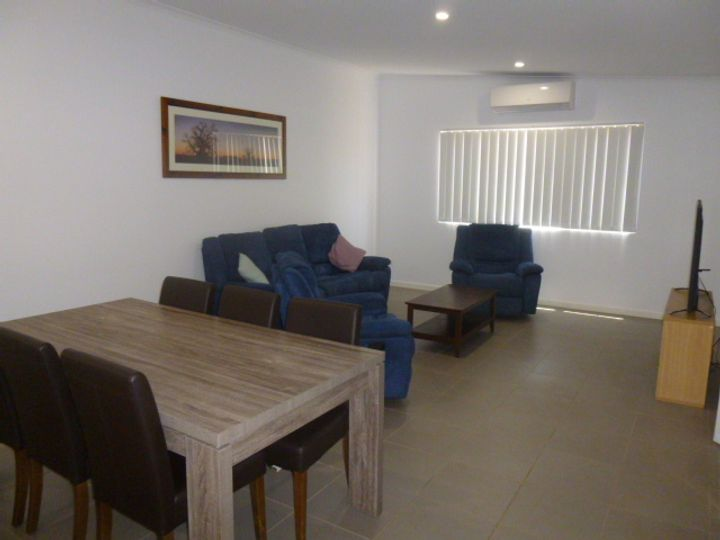 8/30 Dugong Close, Exmouth, WA