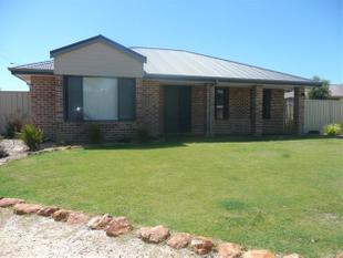Spacious 4x2 Home - 1 Month Free Rent for 12 Month Lease - Hopetoun