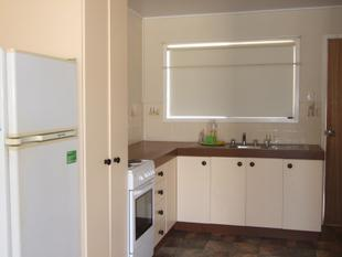Large Two Bedroom Unit - Longreach