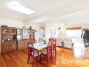 Large family home - Wheelers Hill