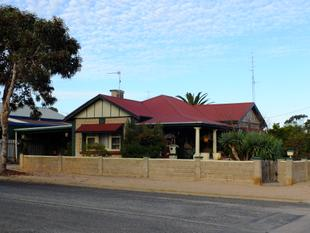 Traditional Bungalow with a new Low Price - Wallaroo