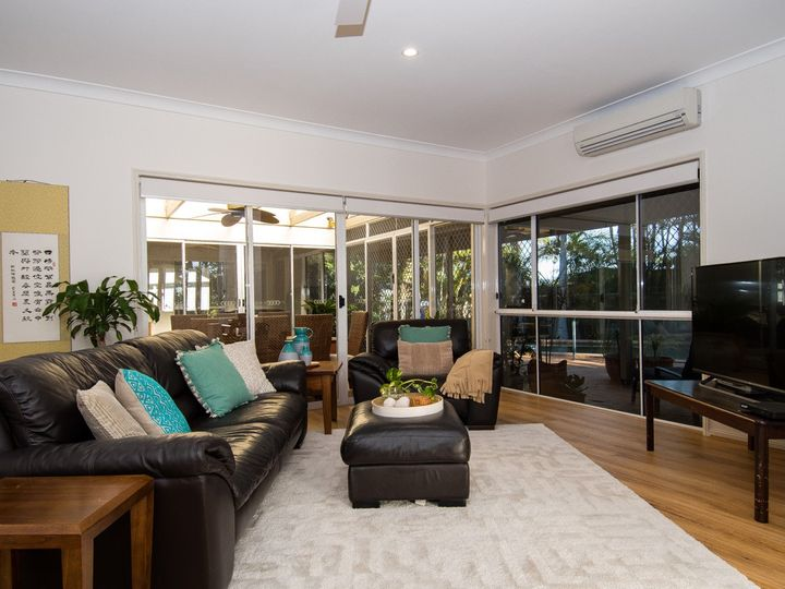 16 Chichester Drive, Arundel, QLD