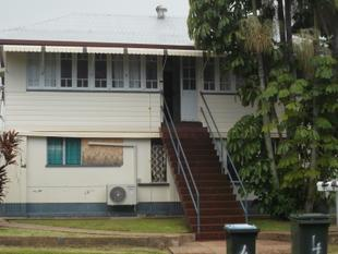 Unit close to town - East Innisfail