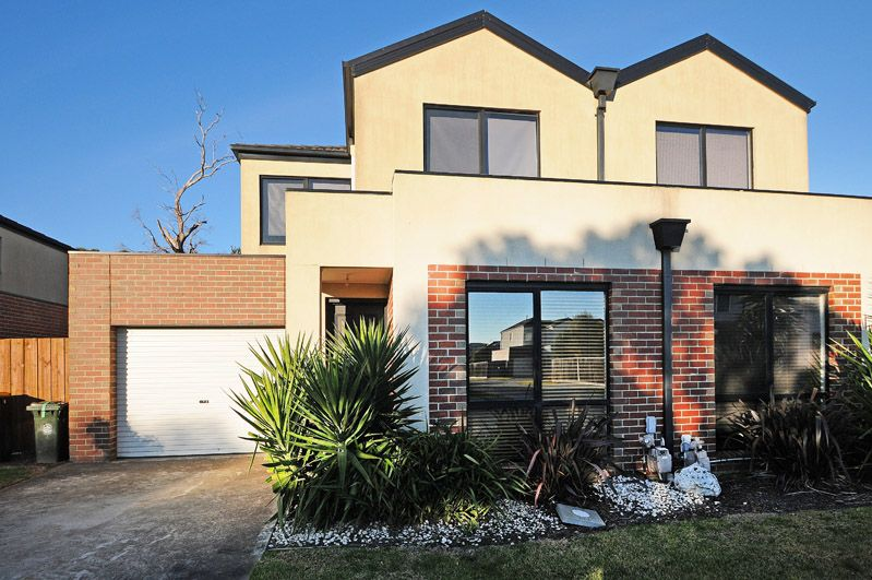 14 32 lats avenue carrum downs vic rental townhouse for Master down townhomes