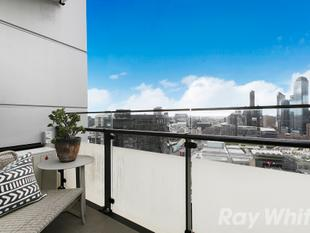 A Platinum' Standard of Apartment Living On The Cusp Of The City! - Southbank