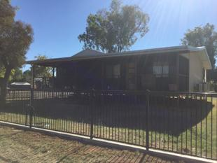 MODERN FIVE BEDROOM HOME - Charleville