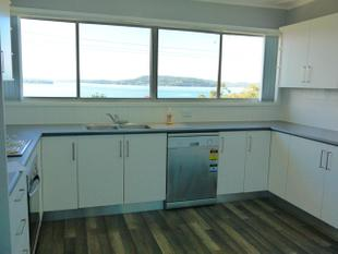 Walk to railway station-Spectacular water views- rent includes garden maintenance! - Koolewong