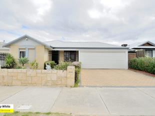 WALKING DISTANCE TO HOLY CROSS AND MEDICAL CENTRE - Ellenbrook