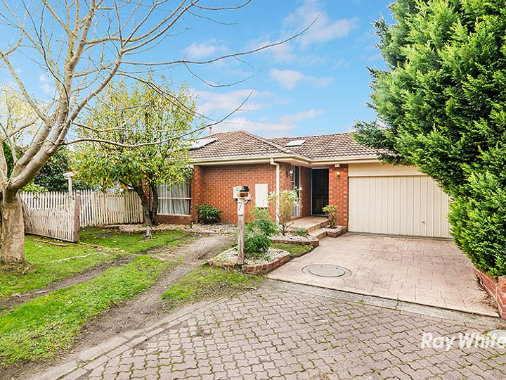 7 Bill Place, Hampton Park, VIC