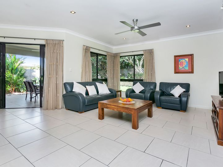 6 Chystanthus Street, Trinity Park, QLD