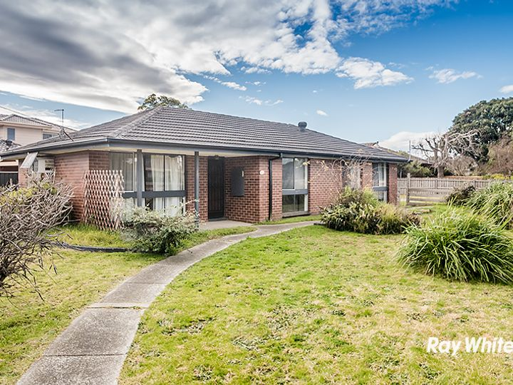 16 Fairbairn Road, Cranbourne, VIC