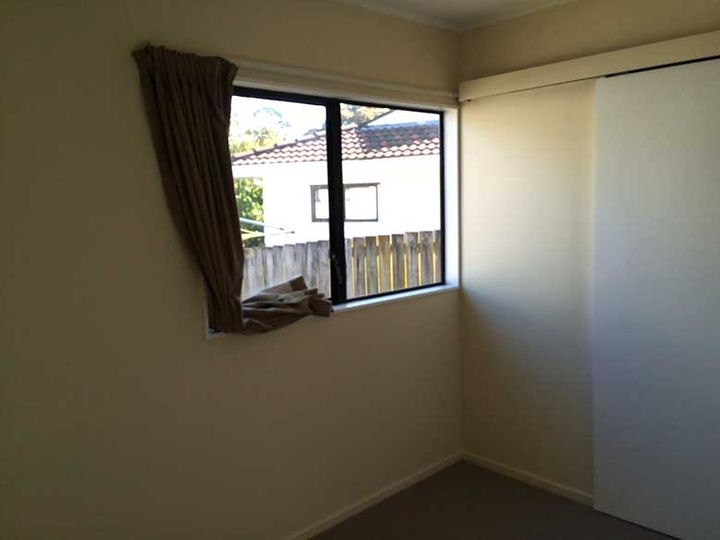 2/175 Bradbury Road, Highland Park, Manukau City
