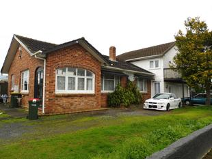 Extra large family home! - Manurewa