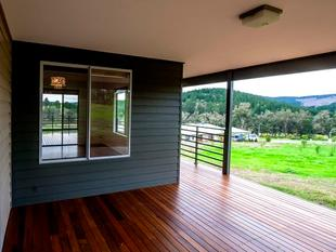 STUNNING HOME WITH VIEWS - Nannup