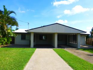 IMMACULATE BEACH SIDE DUPLEX WITH AIRCON AT $240 PER WEEK! - Slade Point