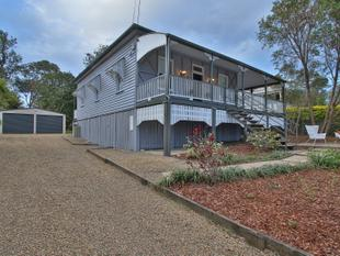 Style And Elegance With Views, On 1,247SQM! - North Ipswich