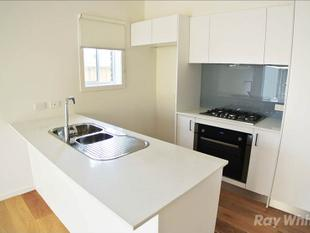 GREAT LOCATION  2 BEDROOM TOWNHOUSE PLUS STUDY! - Keysborough