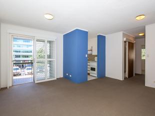SECURE TWO BEDROOM UNIT IN TOP LOCATION - Auchenflower