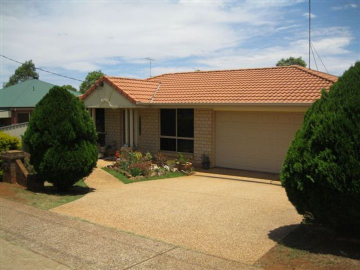 39 High Street, Rangeville, QLD